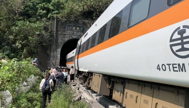 Кількість жертв аварії потяга у Тайвані зросла до 54