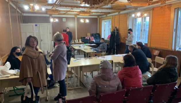 Довибори в Раду: Голосування на дільниці в Яремчі визнали недійсним - ЧЕСНО