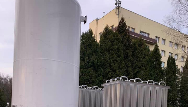 У Львівському центрі легеневого здоров'я встановили нову кисневу станцію