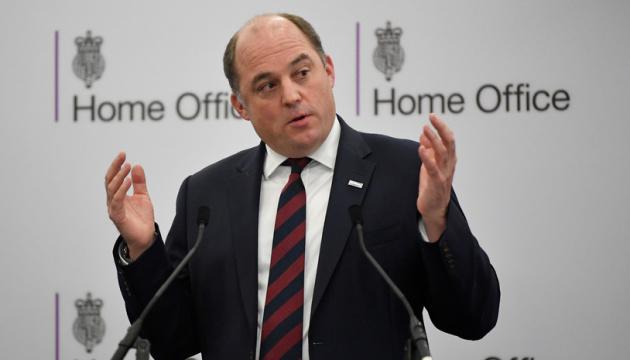 UK defense secretary initiates talks with Taran due to escalation in eastern Ukraine