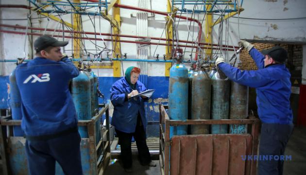 На Львівському хімзаводі виготовлення медичного кисню за рік зросло в чотири рази