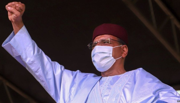 В Нигере впервые демократически передают власть за 60 лет независимости