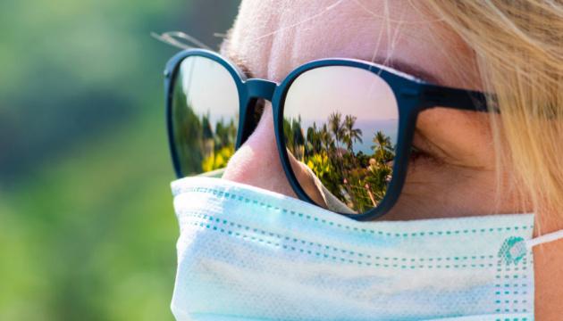 Вчені довели, що сонячне світло швидко знищує коронавірус