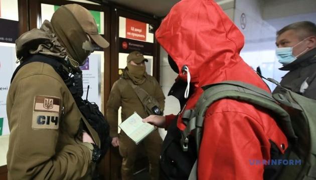 Локдаун у Києві: у метро заявили, що скупчень немає