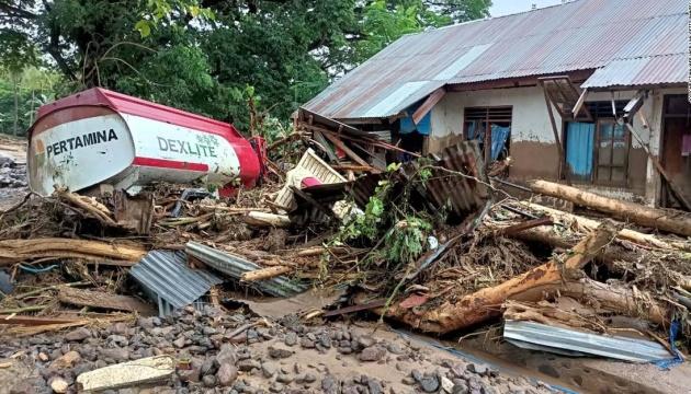 В Індонезії та Східному Тиморі кількість загиблих від повені перевищила 150 осіб