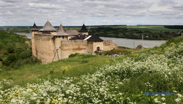 Хотинська фортеця до травневих вихідних оновила кілька експозицій для туристів