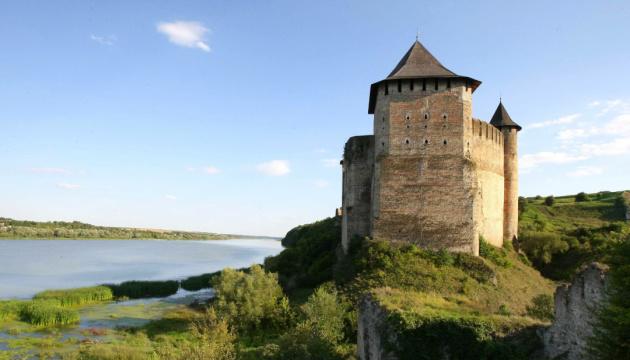 На Буковині через «червону» зону перенесли старт туристичного сезону