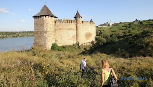 Большая реставрация: в Хотинской крепости отремонтируют подъездной мост и укрепят стену замка