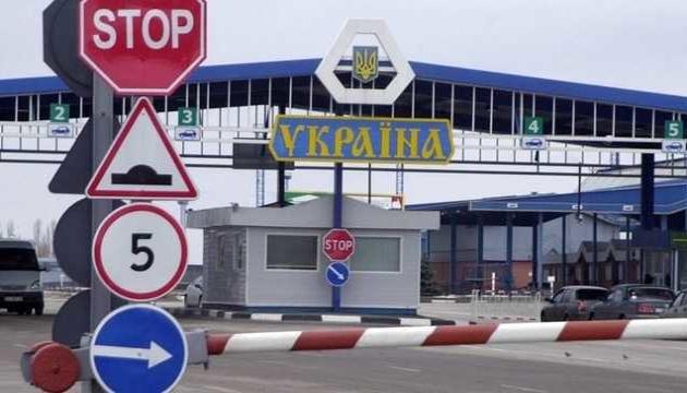На границе с Польшей в очередях стоят 240 авто