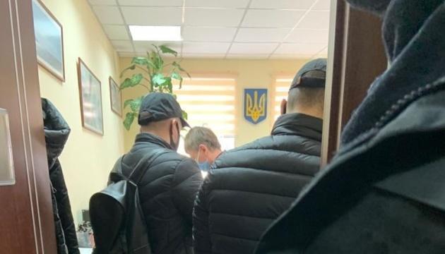 НАБУ поймало на взятке в $100 тысяч родственника главы Окружного админсуда Вовка