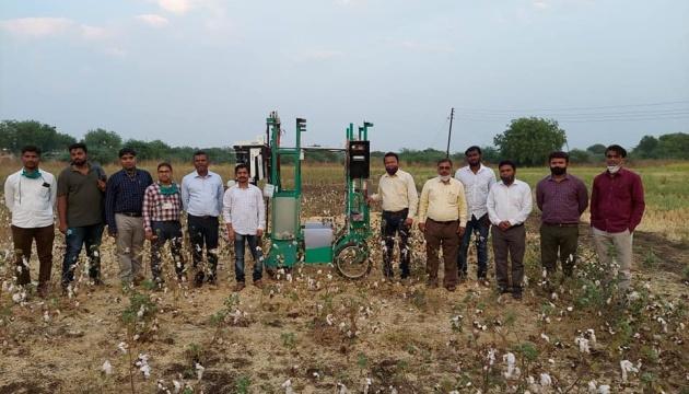 В Індії створили робота для збору бавовни