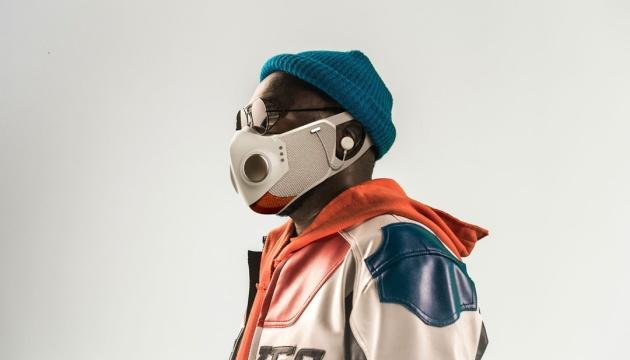 Рэпер Will.i.am представил защитную маску в жанре фантастики