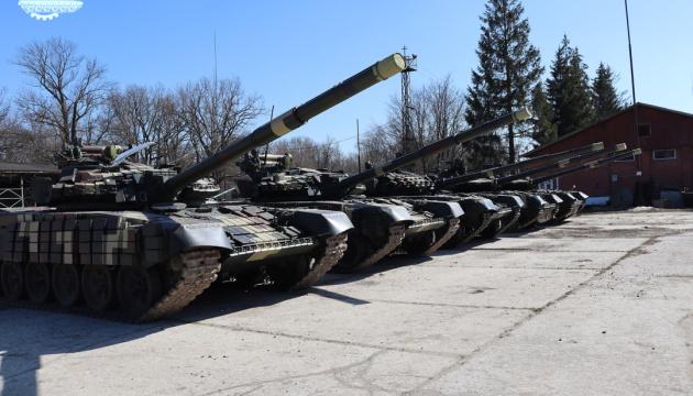 Українські військові отримали п'ять модернізованих танків