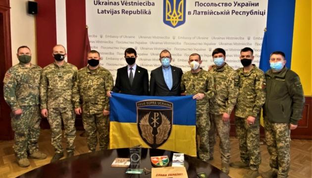 Посольство України в Латвії відвідали представники ЗСУ