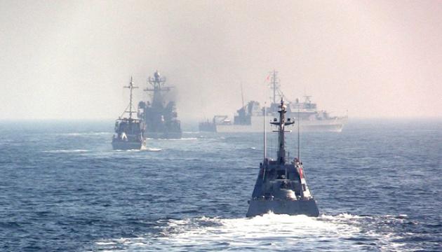 В деяких українських портах обмежили лоцманську проводку через військові навчання