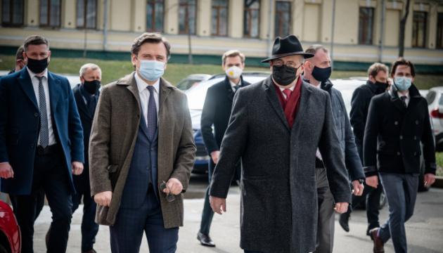 クレーバ外相、ポーランド外相と会談 露による情勢激化を協議