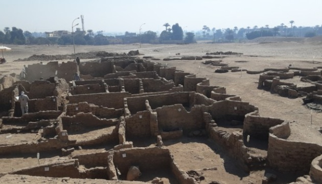 В Египте археологи нашли «Золотой город», которому 2 600 лет