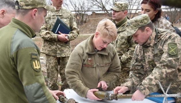 US-Delegation besucht Gebiet der Operation der Vereinigten Kräfte in der Ostukraine
