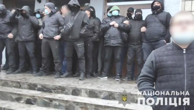 Суд арестовал двух человек за попытку рейдерского захвата предприятия на Полтавщине