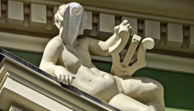 Підрядник своїм коштом реставруватиме скульптуру на будинку Руссова - Труханов