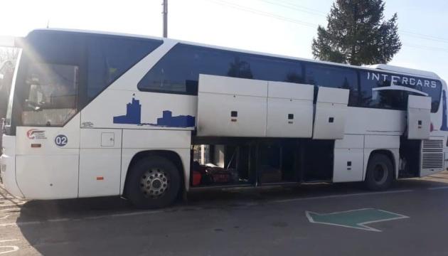 На кордоні затримали автобус з Білорусі - пасажири мали підроблений ПЛР-тест