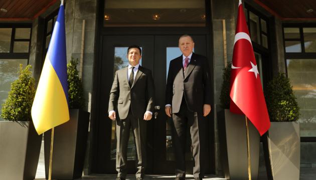 ゼレンシキー大統領、トルコ大統領に露拘束のクリミア・タタール人100名解放支援を要請