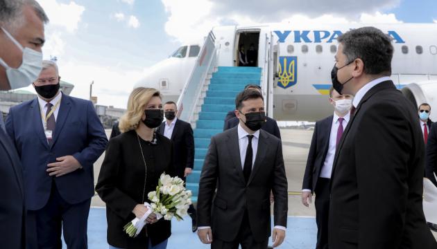 Зеленський прибув з візитом до Туреччини