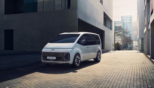Hyundai представив мінівен на 11 пасажирів
