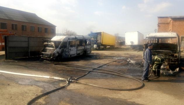 На Львовщине сгорели три автобуса