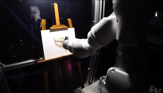 В Японии создали робота-художника