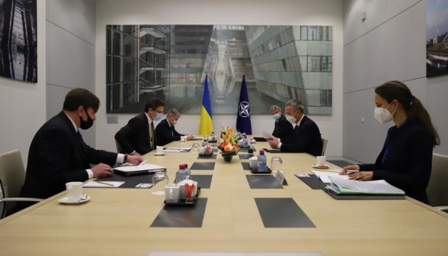 Кулеба після зустрічі зі Столтенбергом: РФ цього разу не зможе застати нас зненацька