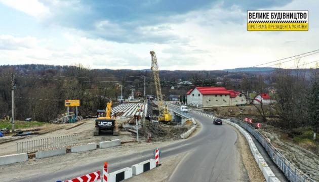 На Прикарпатье ремонтируют мосты на трассе Татаров - Каменец-Подольский