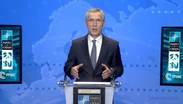 Jens Stoltenberg : L'OTAN continue d'apporter un soutien politique et pratique à l'Ukraine