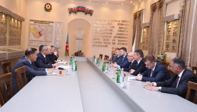 Украина и Азербайджан обменяются опытом в решении проблем переселенцев