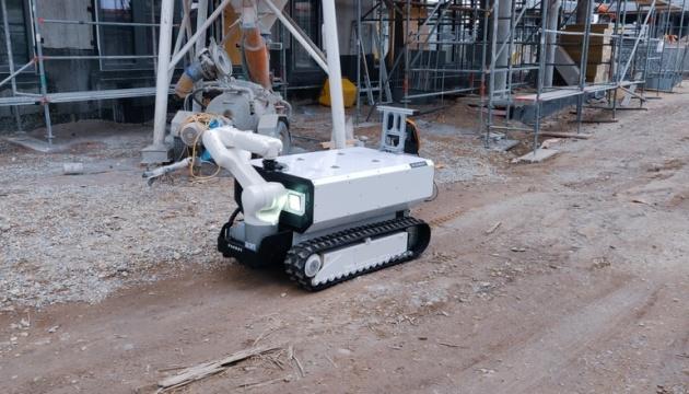 В Австрии показали прототип робота-строителя