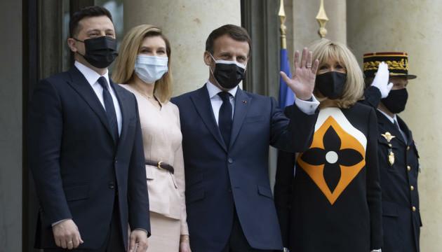 Встреча Зеленского и Макрона длилась дольше запланированного, к ним присоединилась Меркель - источник