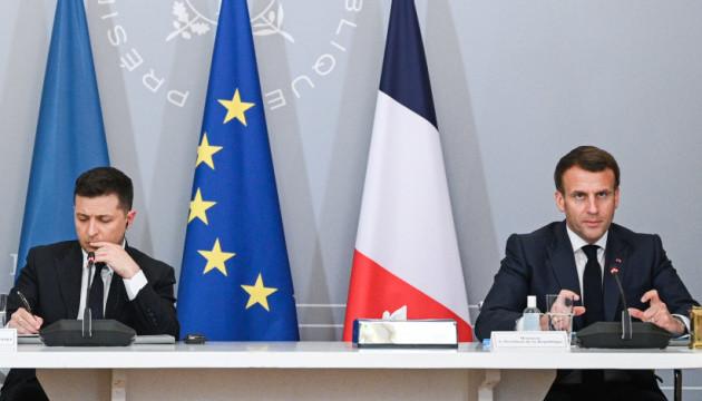 Макрон відзначає позитивну динаміку у відносинах між Україною і Францією