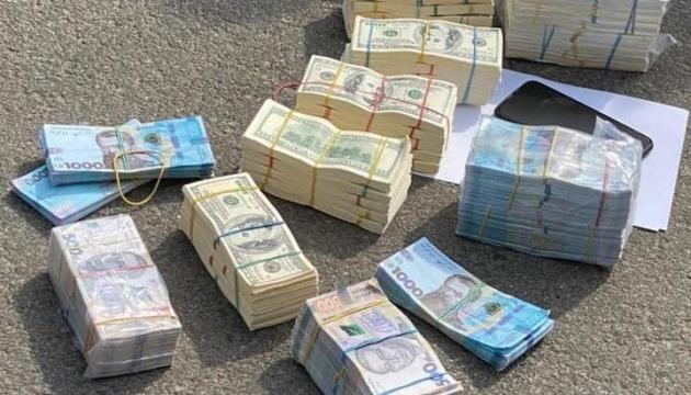 Затриманих за вимагання у фермера $700 тисяч арештували без права застави