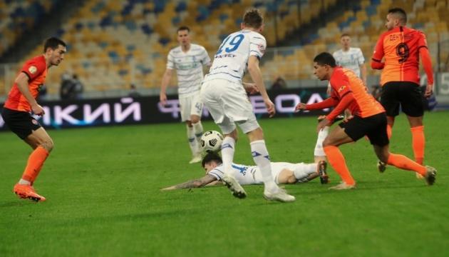 «Динамо» победило «Шахтер» в украинском футбольном дерби