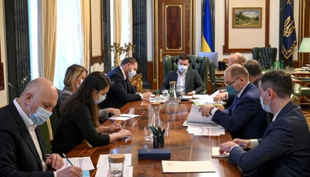 Пасха на карантине: Зеленский призывает украинцев праздновать рассудительно