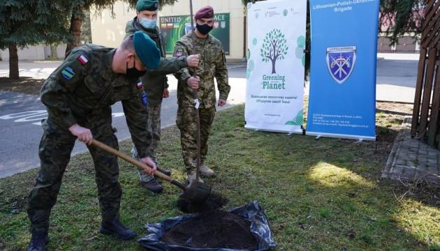 У Польщі до екологічної акції долучилися генконсульство України та військові ЛитПолУкрбриг