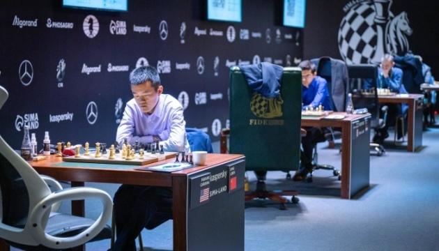 У Дубаї за шахову корону зіграють Карлсен та Непомнящий