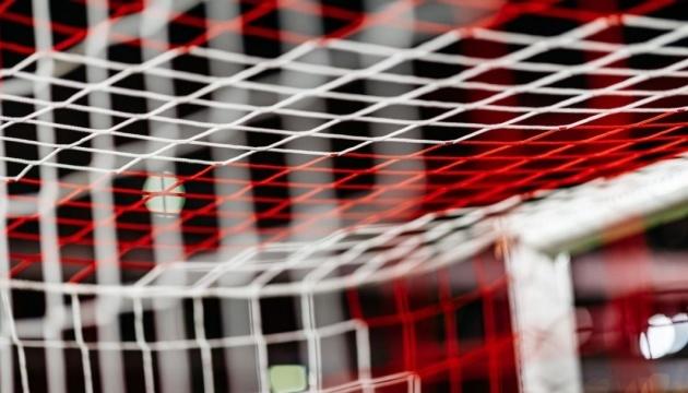 Усі футбольні клуби Бундесліги наприкінці сезону підуть на карантин