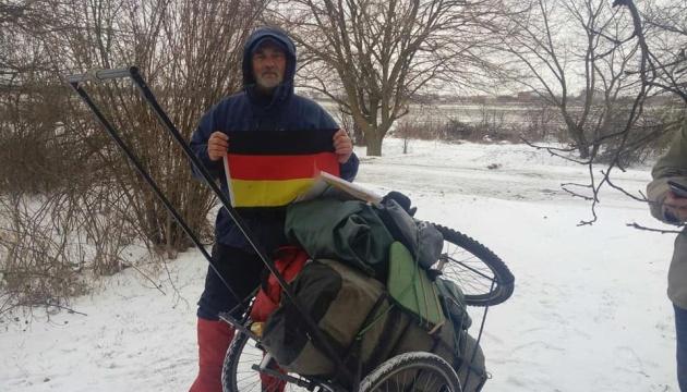 Держать форму во время пандемии: украинский путешественник прошел 1180 км