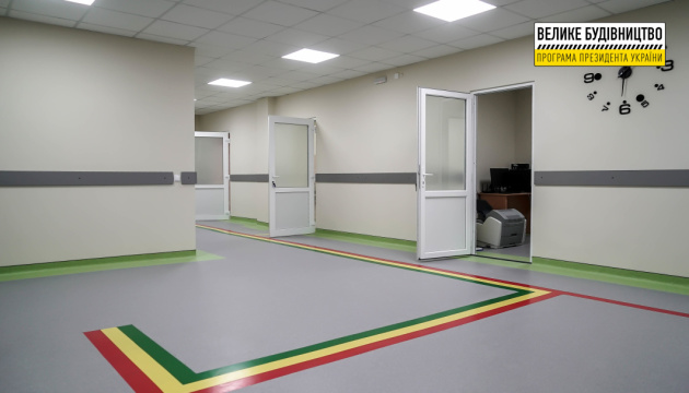 В Хусте завершили ремонт приемного отделения опорной больницы