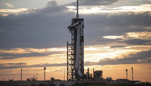 Корабль Crew Dragon-2 стартует к Международной космической станции