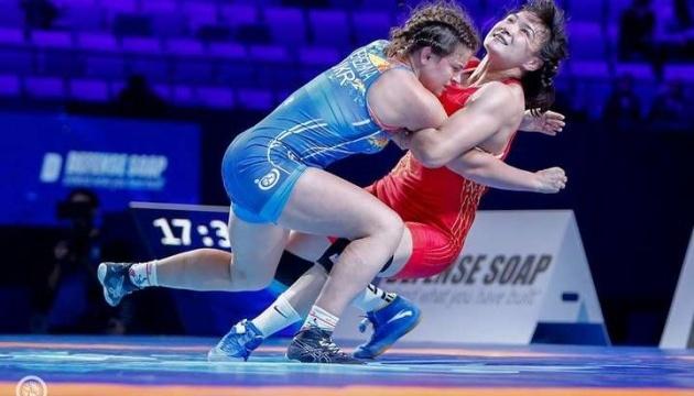 Luchadoras Demko y Berezhna se cuelgan el bronce en el Campeonato Europeo en Polonia