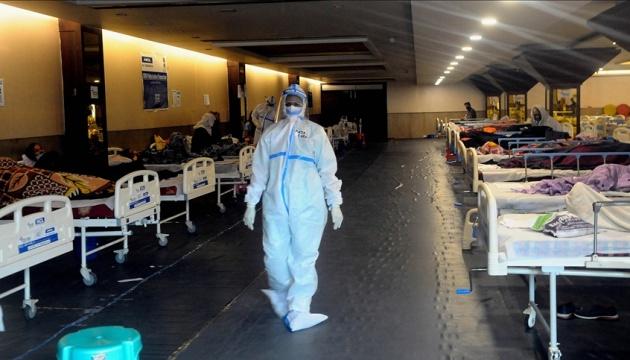 В Индии - рекордные более четыре тысячи смертей от коронавируса за сутки