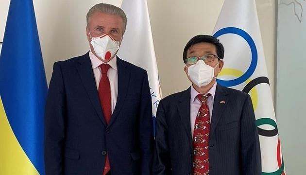 Бубка зустрівся у Києві з послом КНР в Україні