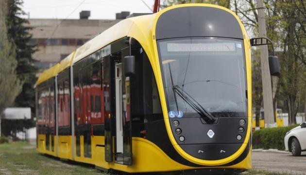 В Днипре испытывают новый низкопольный трамвай производства «Южмаша»